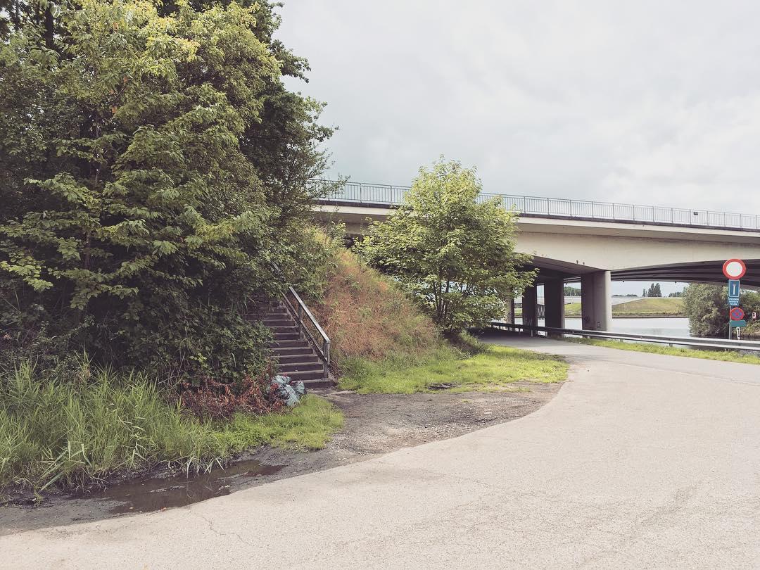trap naar parallelweg R4